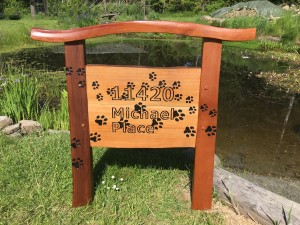 Paw Print Sign