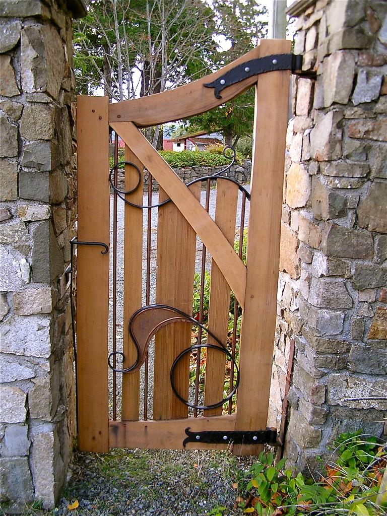 Vasilev Pedestrian Gate - Cedar Sustainable Woodwork