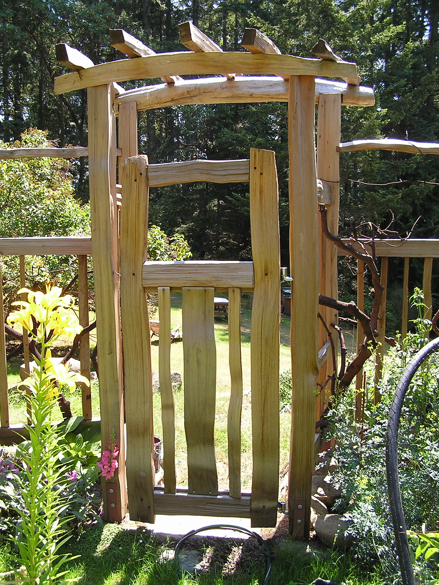 Garden arbor with gate Cedar Sustainable Woodwork